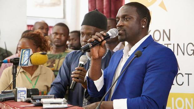 3028021-slide-akon-speaking-to-students-at-guinea-gama-abdel-nasser-university