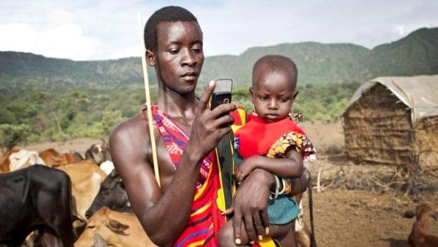 internet-telephone-portable-afrique-connectee