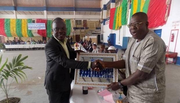 Prix d'excellence RDI: les Mécano Avions, pilotes d'avions et d'hélicoptères du Togo honorés