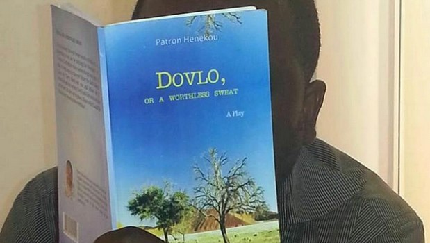 "The play ""Dovlo or a Worthless Sweat"" by the Togolese playwright, Patron Henekou, has been officially presented to the press and to the public on Thursday, 21st January 2016 in […]"