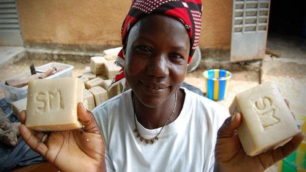 Faso Soap : du savon pour lutter contre le paludisme
