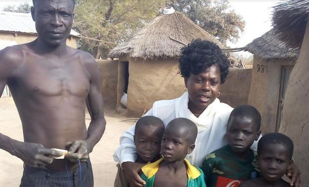 Togo/ONG-2PV : un geste, un brin de sourire !