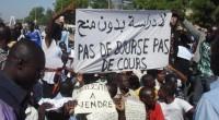 Très remontés contre la suppression des bourses, la réduction des primes allouées aux agents de l'État, les étudiants sont de nouveau descendus mercredi dans les rues de la capitale N'Djamena. […]