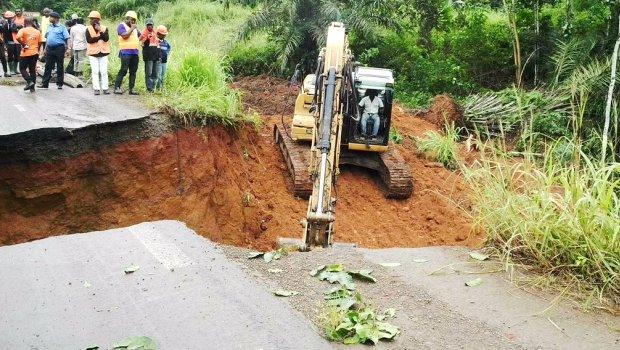 Vendredi noir au Cameroun : Un train qui déraille, une route qui se divise en deux !