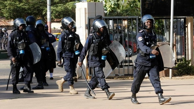2016-12-08t183432z_1779334689_rc12a056e6b0_rtrmadp_3_gambia-election-army_0