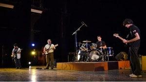 Alumnos-de-bajo-guitarra-eléctrica-y-batería-amenizaron-el-Festival-de-Artes-y-Artesanías-en-el-Teatro-Hidalgo-3