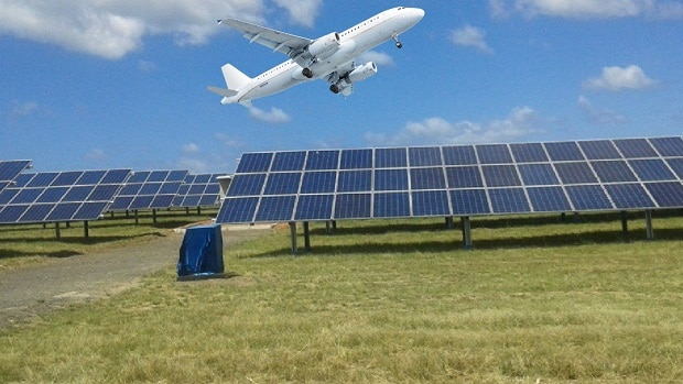 Aéroport 100% solaire