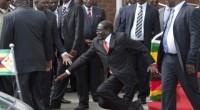 (BBC Afrique) – Dans un entretien à la radio publique qui doit être diffusé mardi à l'occasion de son anniversaire, Robert Mugabe affirme que seul son parti pouvait lui demander […]