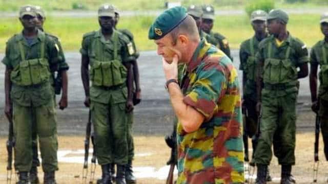 - Coopération militaire: militaires belges stationnés à Bunia (Est du Congo) - Militaire samenwerking: belgische militairen in Bunia (Oost Kongo)