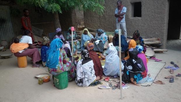 Réunion des femmes bénéficiaires des activités de Mercy Corps