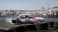Kaylin Oliphant brise un mythe dans son pays. Cette Namibienne va participer à un spectacle de Rodéo automobile à Windhoek. Un sport essentiellement dominé par les hommes, tant il faut […]