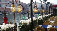 Alors que les marchés et les magasins de rue animés du Caire se remplissent des lanternes colorées pour le Ramadan, une famille égyptienne travaille à préserver la tradition de […]