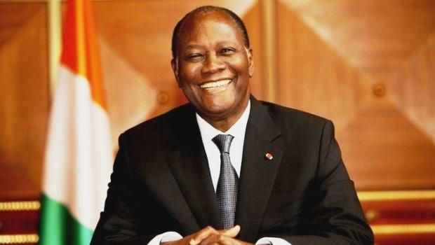 Covid-19 : Alassane Ouattara offre 500 millions aux artistes