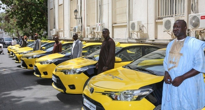Sénégal: Macky Sall réceptionne les taxis de l'émergence (photos)