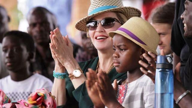 Madonna doit ouvrir un pavillon pédiatrique — Malawi