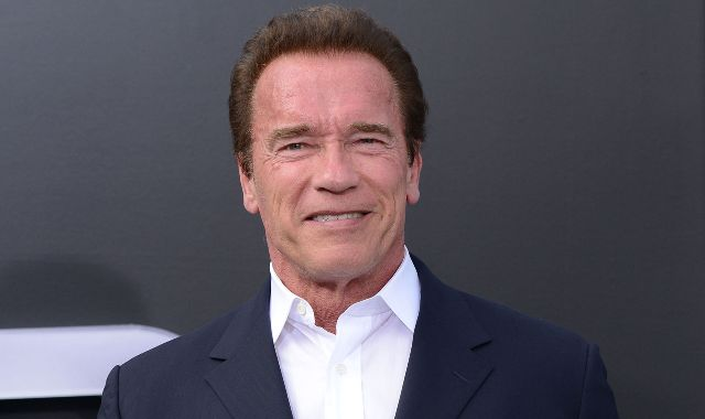 Arnold Schwarzenegger aide Donald Trump à écrire un discours — Charlottesville