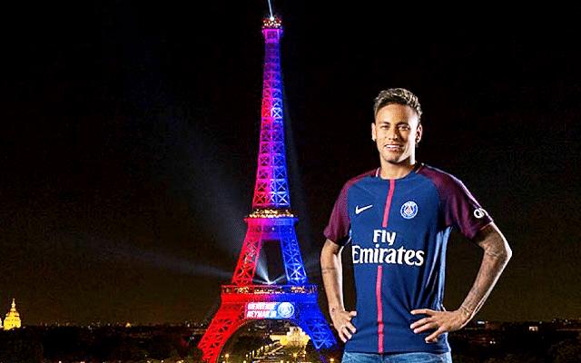 Neymar _Tour Eiffel