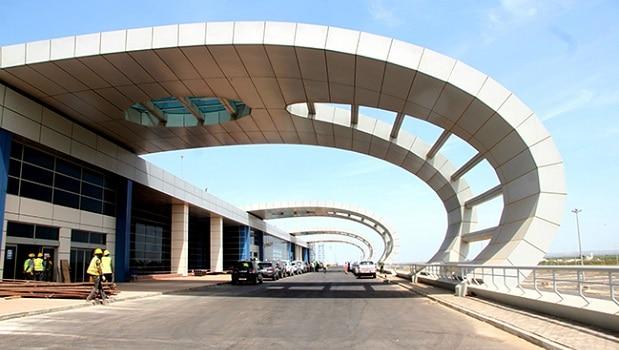 Sénégal: un nouvel aéroport ouvre ses portes aux premiers passagers