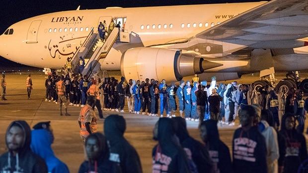 Retour des migrants: des avions mis à leur disposition par le Maroc