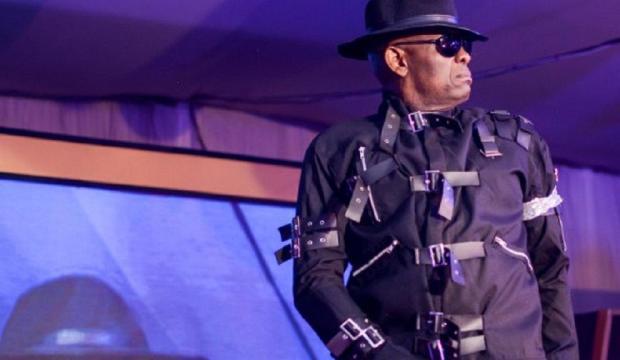 Le milliardaire Tony Elumelu en mode «Michael Jackson» (photos)