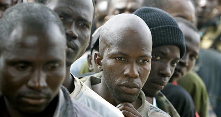 Israël: entre expulsion et incarcération, les migrants n'ont qu'à choisir