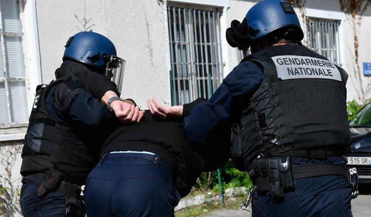 arrestation client prostitution ingerie sexy