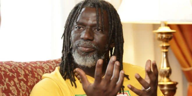 CI: Tiken Jah Fakoly se dresse contre Gbagbo, Ouattara et Bédié