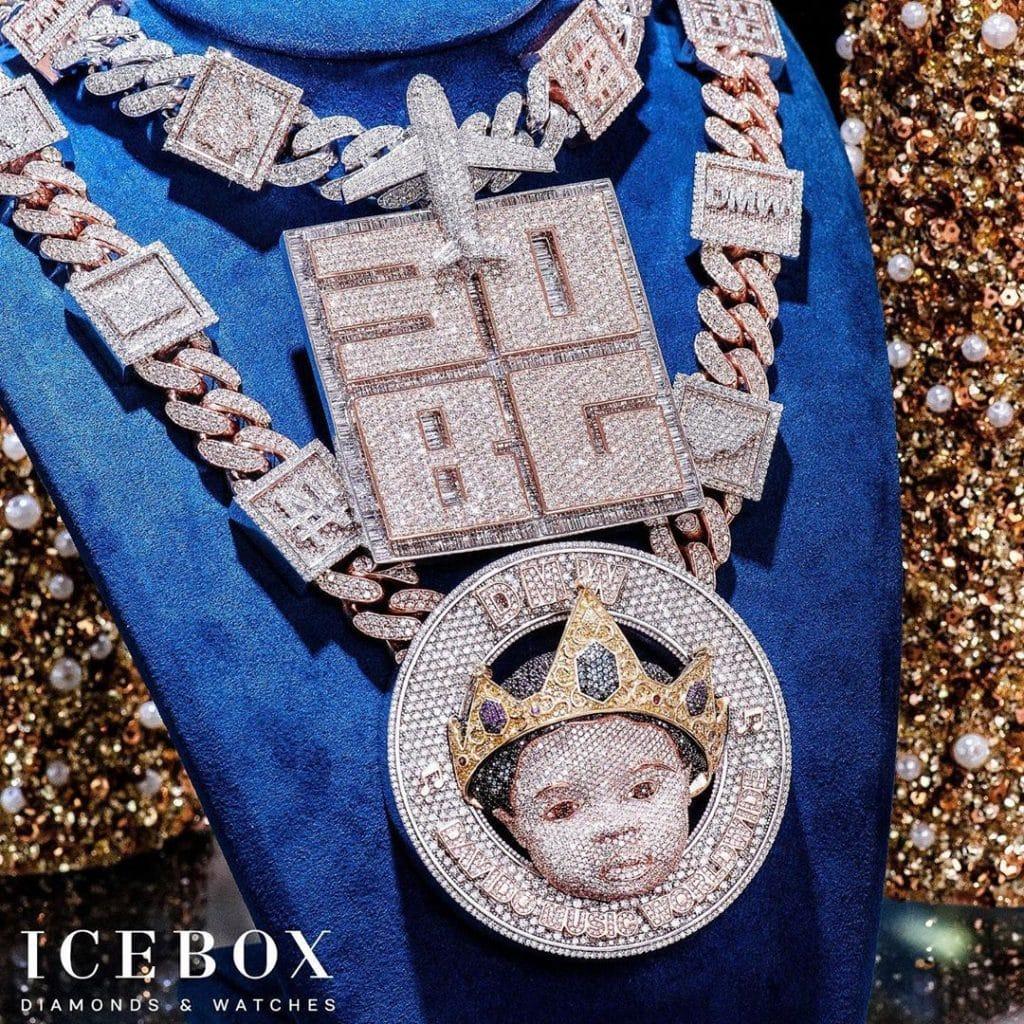 collier en diamant offert par Davido à son fils David Ifeanyi Adeleke