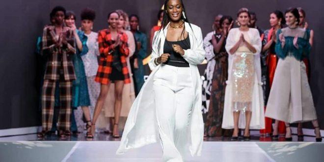 Marie Laurence Kipré : la fille de Laurent Gbagbo illumine un défilé (vidéo)