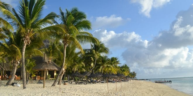 Covid-19 à l'Île Maurice : testés négatifs à leur départ, positifs à leur arrivée !