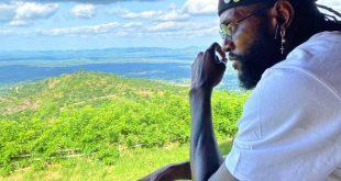 Togo : Emmanuel Adebayor met 5 millions pour un tableau (Photos)