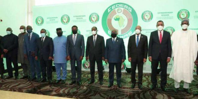 Le Mali suspendu par la Cedeao, mais 'sans sanctions économiques'